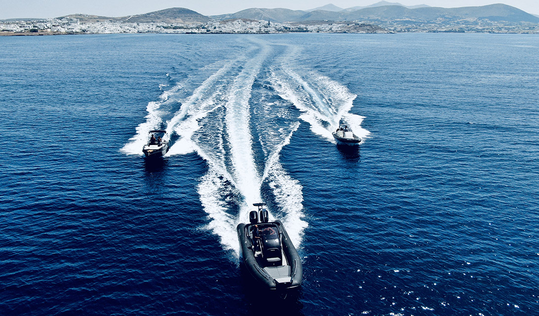 Speed boats Paros